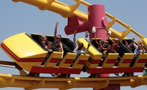 Roller Coaster by http://www.flickr.com/photos/abennett96/2786792769/